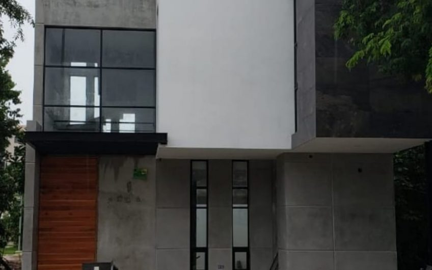 Casa en Venta en Cancun Residencial Arboleda