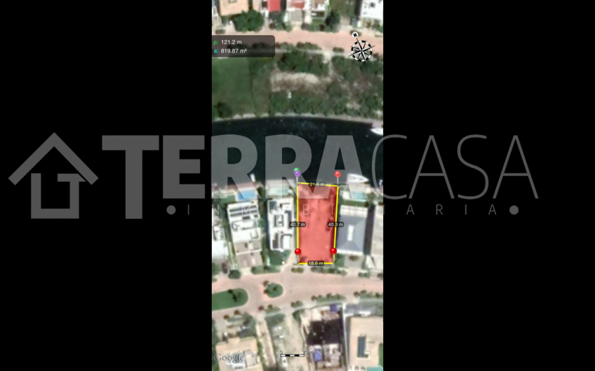 Terreno en venta Puerto  Cancun con frente a canal
